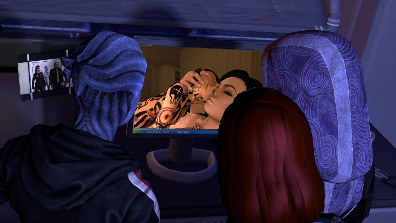 A Small Favor: Mass Effect Shrinking comic - part 3