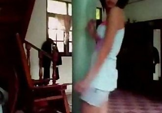 Thai teen dance in home - 10 min