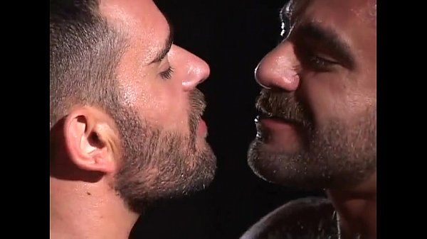 Gay Bears Piss Kissing