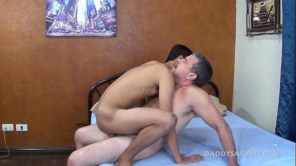 Daddy Barebacks Asian Boy AndrewHD