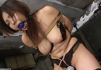 Uncensored Amateur Japanese Bondage Sex - 5 min