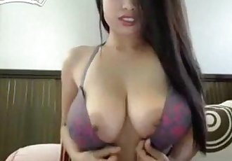 asian camgirl fingering clit - 10 min