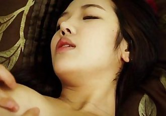 Hot asian play with her wet pussy 720HD - Watch more at https://fox1.nl/cam/ - 5 min
