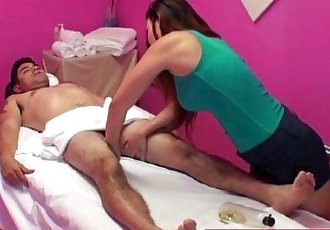 Masseuse asian tugging client cock - 8 min HD