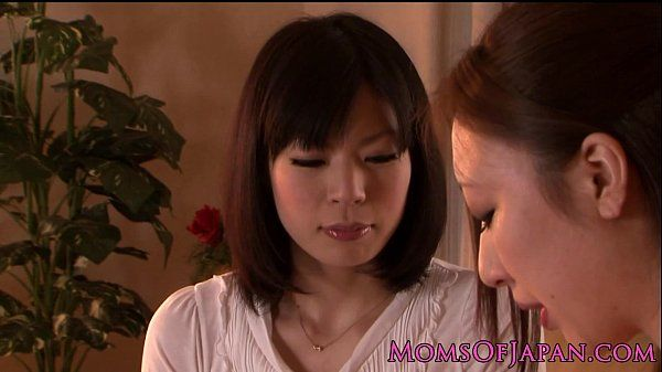 Japanese mature receives oral from babe HD