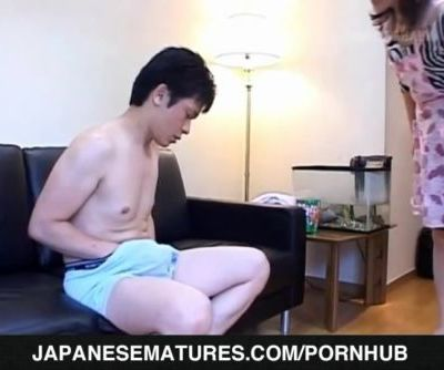 Runa AKasaka loves to swallow after sex