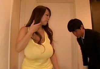 hitomi tanaka taking a hot bath - 9 min