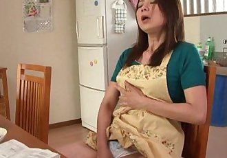 Japanese slut masturbates - 3 min HD