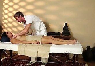 Asian hottie rubbed down - 7 min