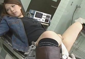 See a Japanese babe pussy exploration - 6 min