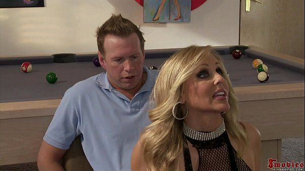 Alexis Texas, Julia Ann -alexis learns how to be a stripper