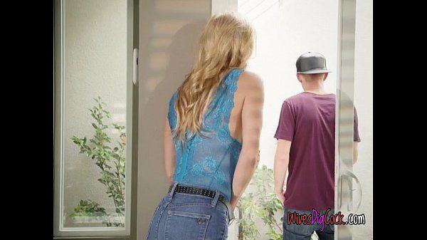 Chesty Babe Alexis Fawx Blows Hung Gardener
