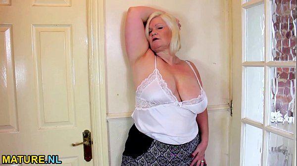 Blonde BBW pleasures herselfHD
