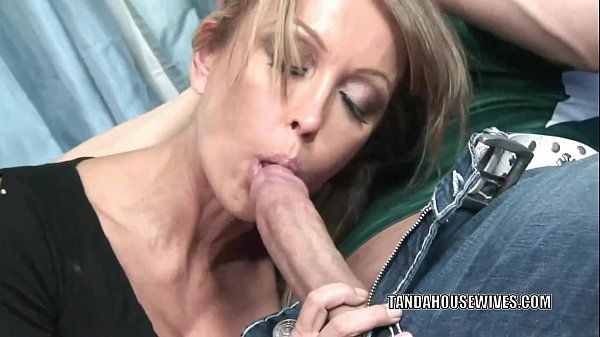 Mature slut Kristina Cross takes all the jizz on her faceHD