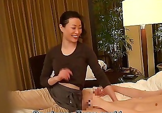 Subtitled Japanese milf massage therapist seduction in HD 5 min HD