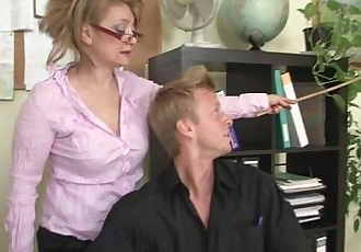 Hot office sex with mature bitch - 6 min