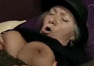 Mature Granny in hardcore sex action - 1 min 2 sec