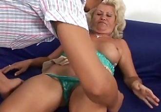 I Want Fucking Sexy Mature Granny - 3 min