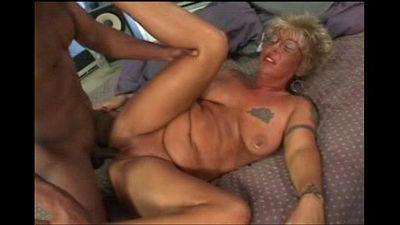 White granny loves to fuck - 3 min