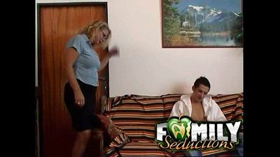 Mom fucking her son - 40 sec