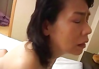 Oldest woman in Japan has sex Subtitles 5 min