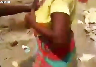 desi worker aunty abusing 3 min