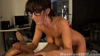 Busty milf gives massage and anal - 5 min