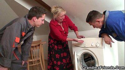 Granny double penetration