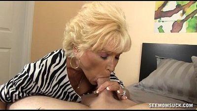 Naughty Granny Blowjob - 5 min