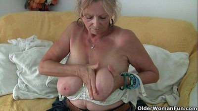 Big boobed granny Isabel needs to get off in pantyhose - 6 min HD