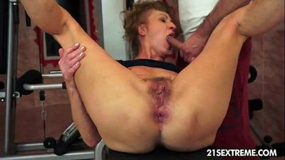 old granny getting fucked hard in the ass - 10 min