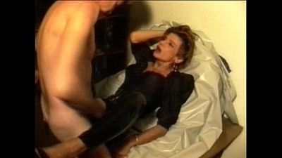 Sperm-Traudl with crotchopen pvc trousers gets a fuck without foreplay - 5 min