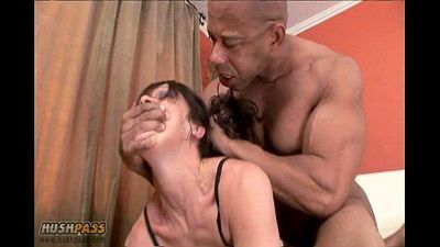 Milf Jami Takes On Blackzilla - 6 min