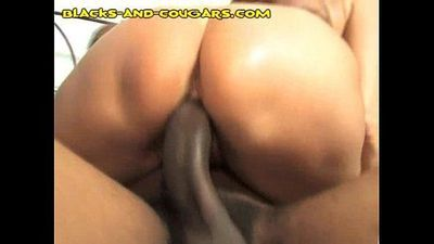 MILF Shared by Two Blacks - 5 min