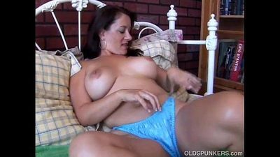 Sexy MILF is feeling horny - 6 min