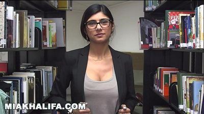 Here is Mia Khalifa\