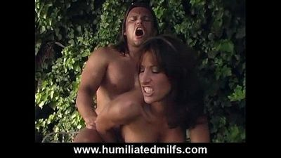 Face-Sitting Milf Teaches A Lesson
