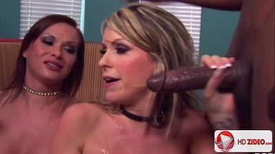 Katja and Courtney Cummz Katja Kassin blowing in unison HD Porn