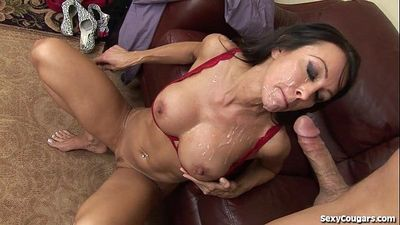 Fit MILF Agent Fucks Her ClientHD