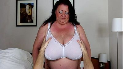 Voluptuous mature with young boy - 34 sec HD
