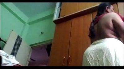 Desi mature telugu aunty vani wearing blouse captured by husband - 1 min 9 sec
