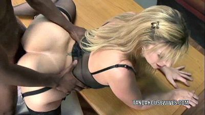 Mature slut Sara Jay is in her office and getting fucked - 6 min HD