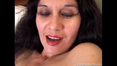 Spicy mature latina amateur - 5 min