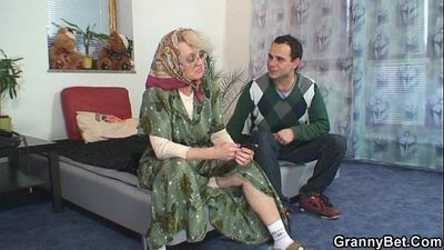 He bangs old widow hard - 6 min