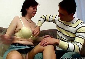 MILF FUCKED BY HER BF !! - 6 min HD
