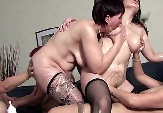 Mature lesbian sexpartyHD