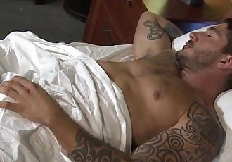 Mature gay hunk fucking tattooed boyfriendHD