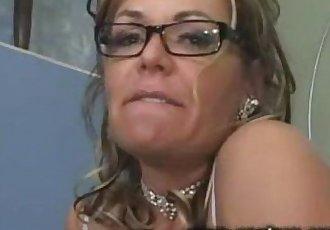 My wild stepmom - 2 min