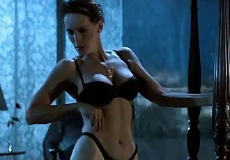 Jamie Lee Curtis Striptease in HD - 2 min