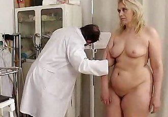 Blond-haired chubby milf explored by cunt doctor - 6 min